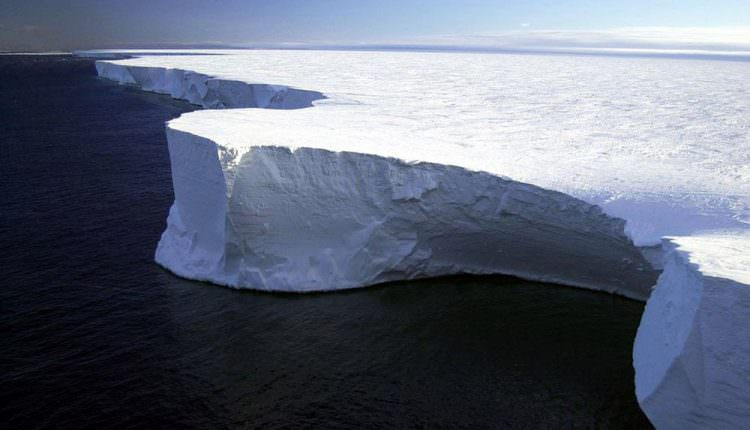 1 Trilyon Tonluk Dev Buz Dağı Paramparça Oldu!