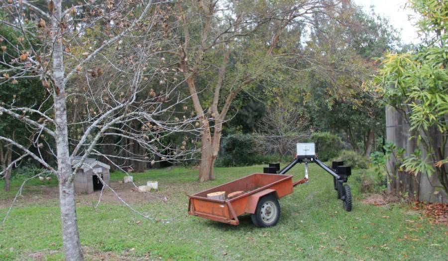 Devrim Kapıda: Robot Çiftçiler